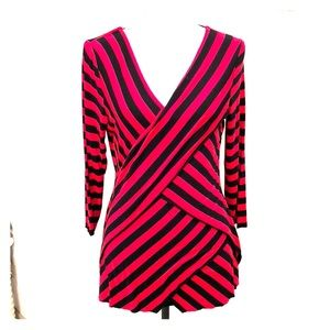 Vince Camuto Red and Black Sooo Soft 3/4 Arm Shirt